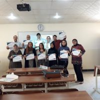 Awarding certificates for participation in SPSS training course