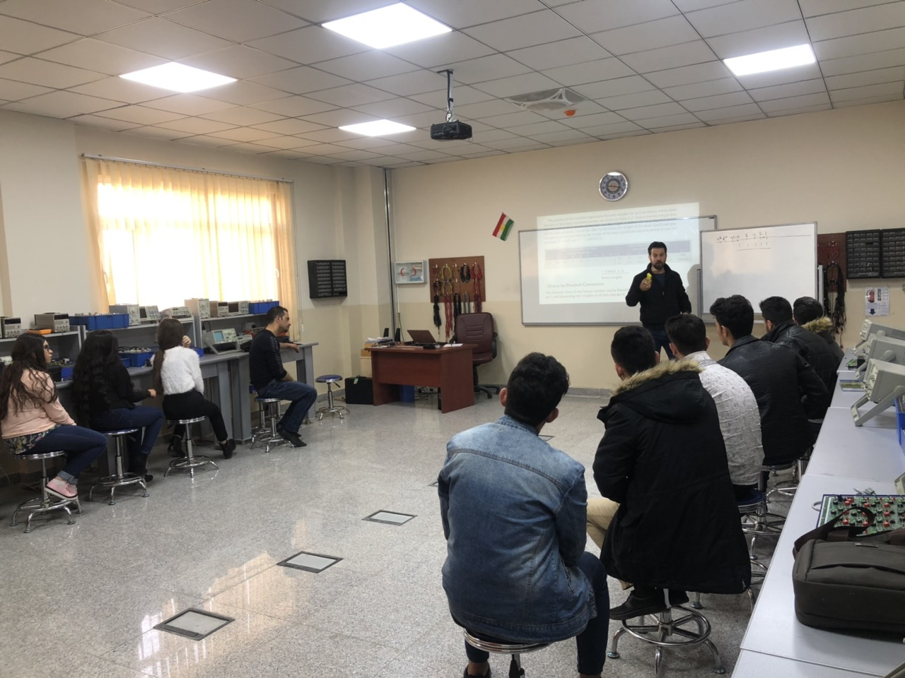 Students of Communication Engineering Conduct a Number of Seminars