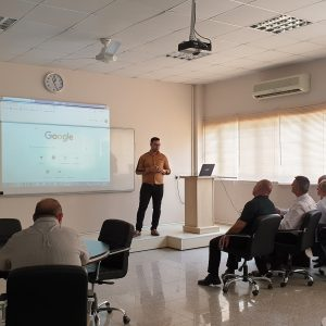 A training lecture on how to deal with the personal webpage for faculty members of the accounting department