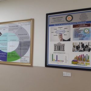 Preparing posters by the students of accounting department